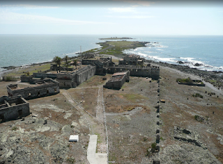 https://www.google.com.uy/maps/place/Isla+de+Flores/@-34.945966,-55.933092,3a,75y/